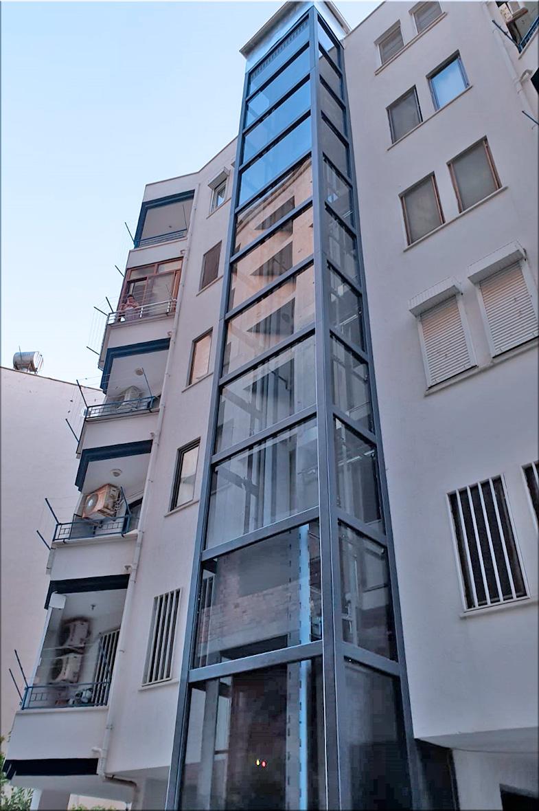 bina dışından asansör
